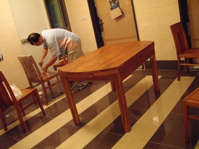 餐桌原形-折疊前